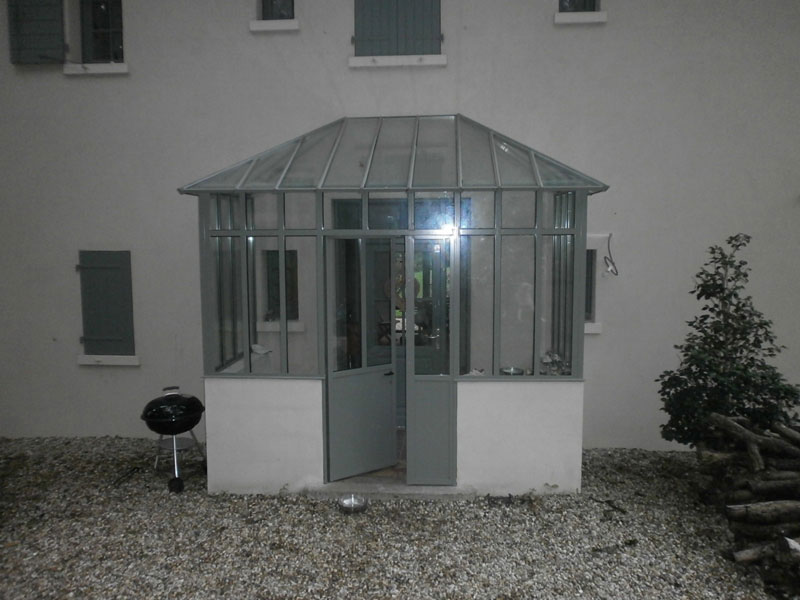 cloison vitr e charbonni res les bains tassin la demi. Black Bedroom Furniture Sets. Home Design Ideas
